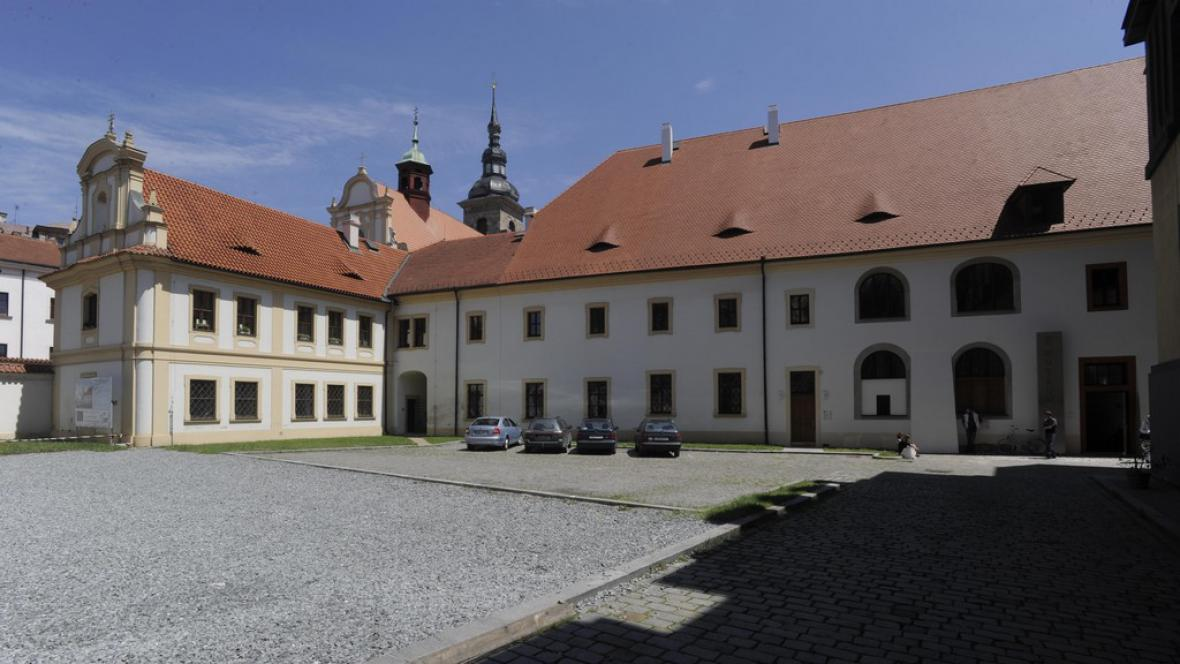 Plzeň- bývalý Konvent s kostelem Panny Marie Nanebevzatí (1460-1950)